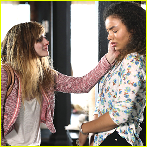 Aubrey Peeples Guest Stars As Addict On Tonight's 'Recovery Road'