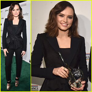 Daisy Ridley To Record Song With 'Massive Superstar'