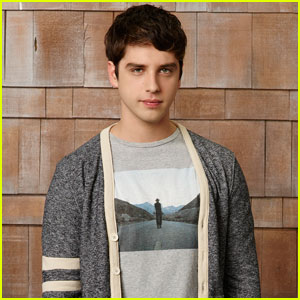 The Fosters' David Lambert Talks Brandon's 'Refreshing' New Relationship! (JJJ Interview)