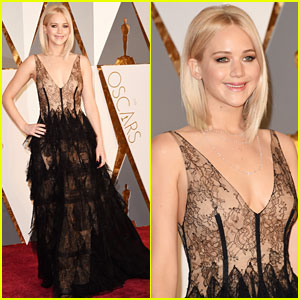 Jennifer Lawrence Stuns on Oscars 2016 Red Carpet