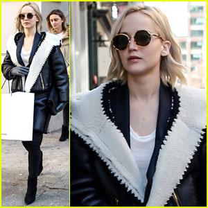 Jennifer Lawrence Goes on NYC Shopping Spree!