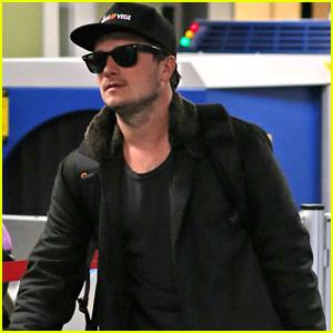 Josh Hutcherson Books Hulu Pilot 'Future Man'