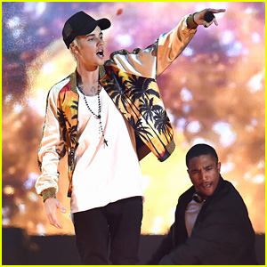 Justin Bieber Performs at BRIT Awards 2016 - Watch Now!