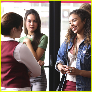 Maddie & Her Friends Head To The Movies On 'Recovery Road'