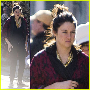 Shailene Woodley Shops With a Friend in New Orleans
