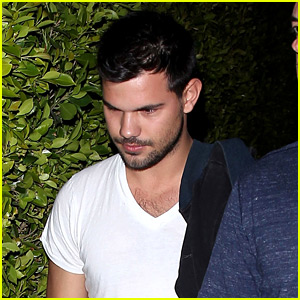Taylor Lautner Has Learned the World's Most Versatile Word!