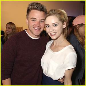 Greer Grammer, Brett Davern & 'Awkward' Stars Host Season Premiere Live Tweet Party