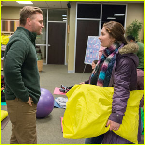 Brett Davern Romances Emma Kenney on 'Shameless' - Exclusive First Look Pics!