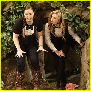 Emma & Lou Start A Catering Company On 'Bunk'D' Tonight