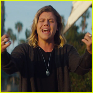 Conrad Sewell Drops 'Remind Me' Music Video Ahead of Nickelodeon's BuzzTracks Live Concert - Watch Now!