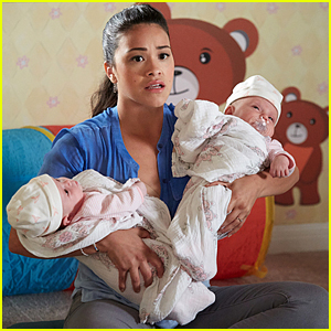 Jane Helps Petra at Mommy Class on 'Jane The Virgin' Tonight