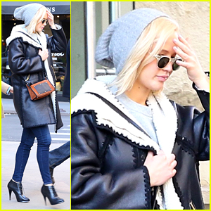 Jennifer Lawrence Looks Lovely in Leather Jacket