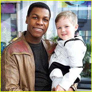 Star Wars' John Boyega Visits Children's Hospital In Character as Finn!