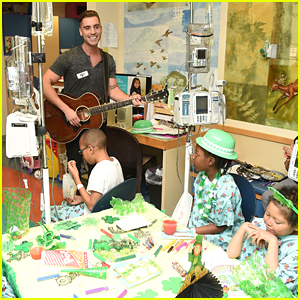Nick Fradiani Sings 'Get You Home' To Children's Hospital Patients at Montefiore (Pics)