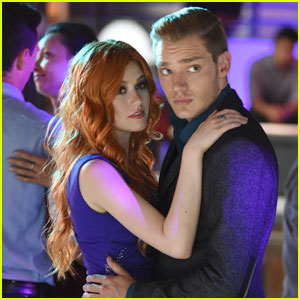 Jace Worries About Clary on Tonight's 'Shadowhunters'