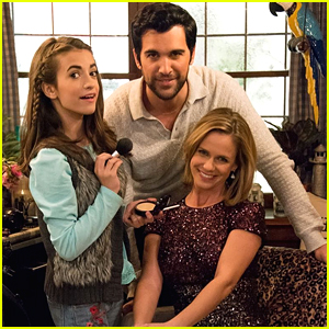 Soni Nicole Bringas Posts Cute 'Fuller House' Family Photo