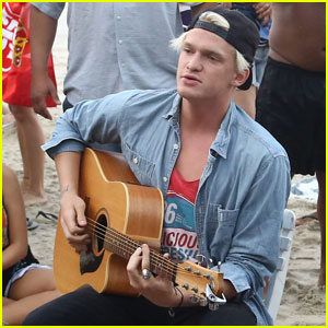 Cody Simpson Performs on the Beach in Rio!