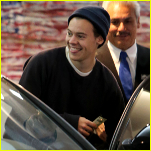 Harry Styles Meets Fan at Restaurant & Pays for Family's Dinner