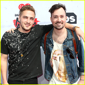Kendall Schmidt & Dustin Belt Promote 'Rain Don't Come' at iHeartRadio Music Awards 2016