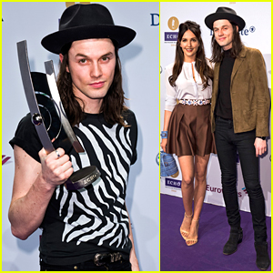 James Bay Wins Best Newcomer at Echo Awards 2016