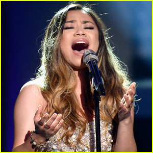 Jessica Sanchez Sings Incredible Version of 'The Prayer' on 'Idol' Finale