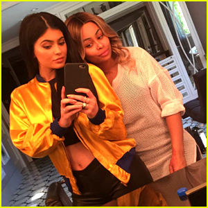 Kylie Jenner Posts Snapchat Photo with Blac Chyna