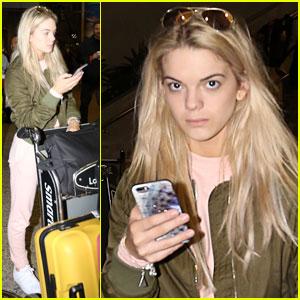 Louisa Johnson Arrives in Los Angeles!