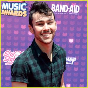 MAX Hits Radio Disney Music Awards on JJJ's Snapchat!
