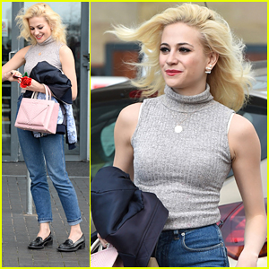 Pixie Lott Isn't Trying to Be Audrey Hepburn In 'Breakfast At Tiffany's' Stage Play