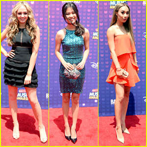 Sophie Reynolds & Tiffany Espensen Rep Disney XD at RDMA 2016