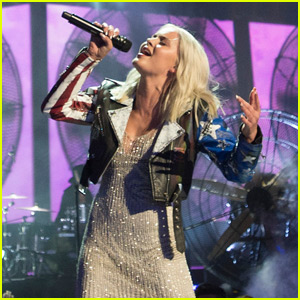 Zara Larsson Performs 'Never Forget You' at RDMA 2016