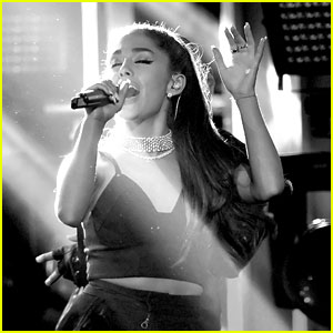 Ariana Grande Performs 'Dangerous Woman' & 'Into You' Medley at BBMAs 2016