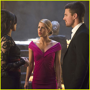Oliver & Felicity Get A Night Out After Seeking Darhk on 'Arrow' Tonight