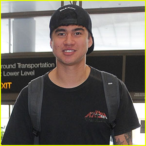 5SOS' Calum Hood Heads To Europe For 'Sounds Live Feels Live' Tour