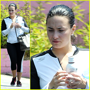 Demi Lovato Gives Sneak Peek at Her Tour Set List With Nick Jonas