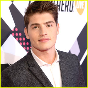 Gregg Sulkin Joins Another Movie Called 'Status Update'; Jokes About Them on Instagram