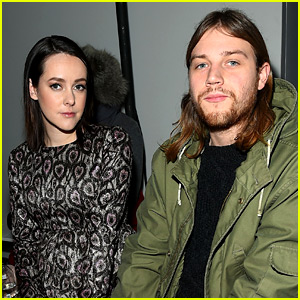 Jena Malone Welcomes Baby Boy Ode Mountain