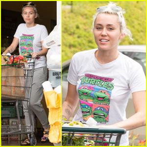 Miley Cyrus & Liam Hemsworth Are Happy Together