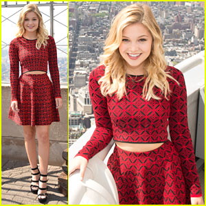 Olivia Holt Says Working With Ren�e Zellweger Was 'Really Special'