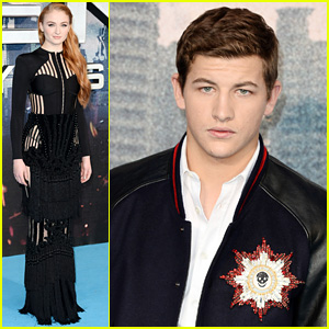 Sophie Turner & Tye Sheridan Celebrate 'X-Men: Apocalypse' at Fan Event!