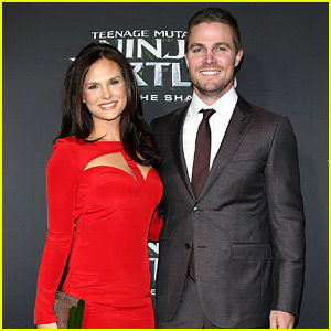 Stephen Amell Promotes 'Turtles' Down Under with Wife Cassandra By His Side!