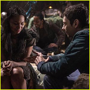Clarke, Bellamy, Octavia & Jasper Must Overcome a Major Roadblock on 'The 100'