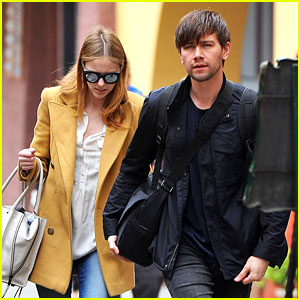Torrance Coombs & Alyssa Campanella Have Hotel Hiccup on Honeymoon in Florence