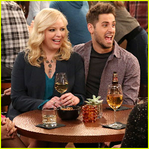 Ben Pretends to Be His Mom's Husband on Tonight's 'Baby Daddy'