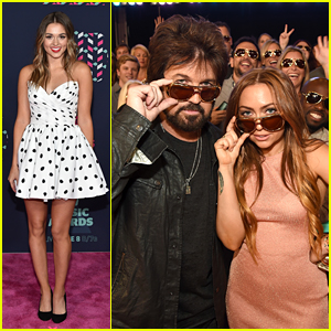 Sadie Robertson Is Pretty in Polka Dots at CMT Awards 2016