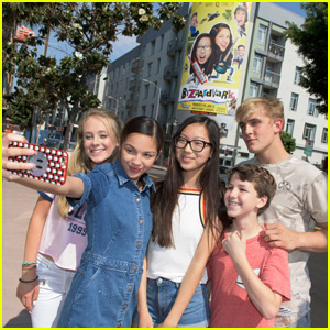 The 'Bizaardvark' Cast Visits Their Hollywood Billboard!