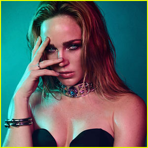 Caity Lotz Opens Up About Being Embraced By Comic Book Community