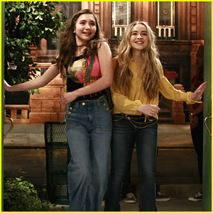 Riley & Maya Take On The World In High School on 'Girl Meets World' Season 3 Premiere