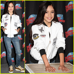 Jenna Ortega Has a Blast at Planet Hollywood!