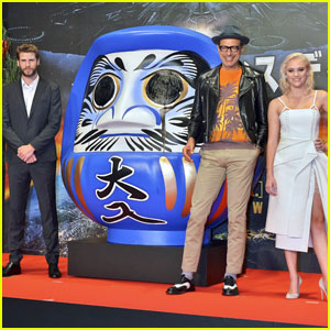 Liam Hemsworth Suits Up for 'Independence Day: Resurgence' Premiere in Japan